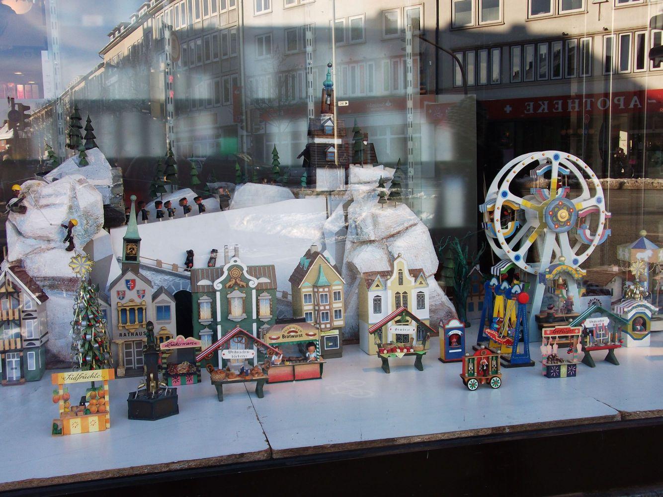 Apotheken in aller welt 61 kiel deutschland pharmamas for Schaufenster weihnachtsdeko