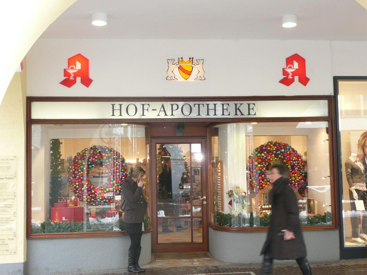 Apotheken in aller welt 72 freiburg im breisgau Weihnachtsdeko schaufenster apotheke